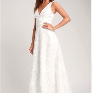 FAUSTA WHITE EMBROIDERED SLEEVELESS MAXI DRESS
